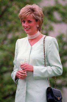 Princess Diana Photo - Prince William and Kate Middleton at St. James Palace