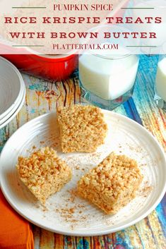 Pumpkin Spice Rice Krispie Treats with Brwon Butter from Platter Talk are a decadent fall twist on a classic American dessert bar. This recipe is easy for kids to make and perfect for Halloween parties. Rice Krispy Treats Recipe, Rice Krispie Treats, Rice Krispies, Homemade Desserts, Fun Desserts, Dessert Recipes, Dessert Ideas, Pumpkin Recipes, Fall Recipes