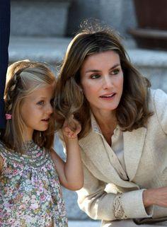 Princess Letizia - The Pope Meets Wih Spanish Royals