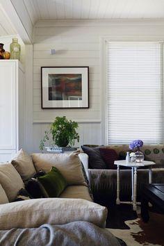 Kolme mielenkiintoista kotia - Three Interesting Homes Rum Hemma Koti Australiassa - A Home in Australia . Living Room Interior, Living Rooms, Home Fashion, Decor Interior Design, Mudroom, Australia, Rum, Family Room, Cool Designs