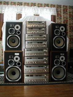 Pioneer Stack to vintage audio Hifi Stereo, Hifi Audio, Audio Speakers, Mc Intosh, Pioneer Audio, Audio Rack, Cd Player, Audio Sound, Retro