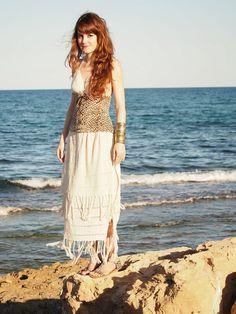 Falda y Bikini: Lourdes Moreno/Corpiño: Bohonito/Sandalias: Comercio local Me chifla la mezcla del bikini de croché con este singular corpiño.#gypsy #ibiza #purpurinarebelde #blogdemoda #blog #blogger #bloguer #fashion #moda #alicante #tendencias #looks #outfits #spain #boho #bloguera #verano #streetstyle #summer #hippiechic #love #look #lookbook #smile #summer #selfie #ibicenco