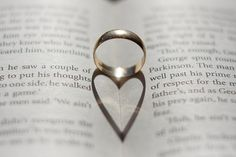 clever use of shadows!! Wedding Ring by BestPix Photography, via Flickr Www.happilywedding.com
