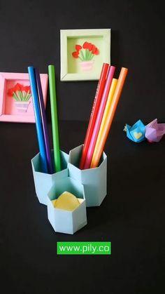 Easy Yarn Crafts, Fun Diy Crafts, Diy Arts And Crafts, Origami Pencil Holder, Pen Holder Diy, Pencil Holders, Instruções Origami, Paper Crafts Origami, Art And Craft Videos