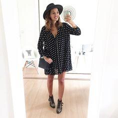 R o c k & r e t r o // #outfit #ootd #outfitoftheday #todayimwearing #smile #smilepower Robe #Zara (New co) - Boits #chloe #susanna - Sac #céline - Chapeau #hermanheadwear Gambettes à l'air et boots à clous! Un grand merci pour tous nos échanges hier sur snap! #girlpower ✊ Happy friday les beautés