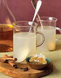It also increases your metabolism which helps in weight loss.  1st Recipe. You Need: 2 tsp Honey 1 tsp Cinnamon 1cup/ 8oz/ 237 ml Water  Directions:  1) 1 tsp cinnamon to 2 tsp honey .  2) Boil 1 cup/8oz/237 ml of water.  3) Pour the boiling water on cinnamon. Cover it and let it steep until it is warm enough to drink.