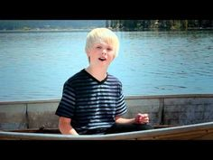 ▶ One Direction - What Makes You Beautiful by 10 yr old Carson Lueders acoustic cover - YouTube