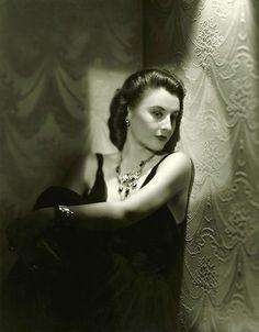 Barbara STANWYCK (1907-1990) ***** #11 AFI Top 25 Actresses