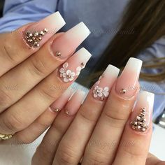 Nail design classy nail art design winter published at in finger designs crazy glitter coolest fancy Acrylic Nail Designs, Nail Art Designs, Hard Nails, Fingers Design, Classy Nail Designs, Almond Acrylic Nails, Classy Nails, Nagel Gel, Flower Nails