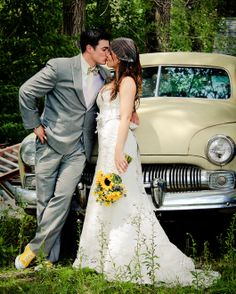 Vintage car with a kiss. Thisday Photography - Ames, IA Wedding Photographer | @SnapKnot #wedding