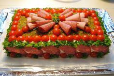 Kinkku-salami voileipäkakku