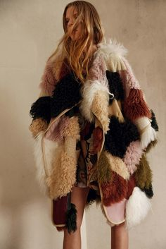 The Pre-Fall 2015 Trend Report - Gallery - Style.com CAUGHT BY THE FUZZ- FUR/SHEARLING/MONGOLIAN LAMBSKIN Designers cozied up to plush shearling pieces for Pre-Fall. Whether long and luxurious or shaggy and shorn, Mongolian lambskin took center stage in collections from Altuzarra to Burberry Prorsum