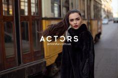 Зачем придумывать велосипед, когда все уже сделали за тебя?! Шикарная чёрная шуба, всегда найдет место в сердцах прекрасной половины человечества❤️ #actors #actorsfur #streetfashion #furstyle #look #mode #style #styles #fashionstyle #fashionworld #мехакиев #шубакиев #mifur2018 #fur2018 Fashion Week 2018, Milan Fashion, Actors, Actor