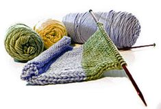 If you're left-handed and knitting books only offer instructions for knitting right-handed, what can you do? Here are some tips just for left-handed knitters! Knitting Club, Knitting Help, Knitting Books, Arm Knitting, Knitting For Beginners, Knitting Stitches, Knitting Patterns, Knitting Kits, Knitting Machine