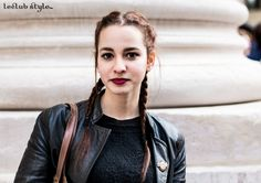 Street Style portraits by Ángel Robles. Fashion Photography from Paris Fashion Week. Fashion portrait on the street, after Paul Smith show, Paris. Woman with boxer braids and red lips.
