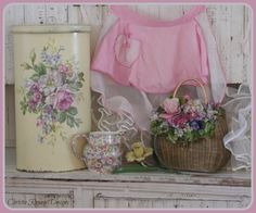 Christie Repasy Designs March show 2016 Shabby Chic Farmhouse, Shabby Chic Cottage, Shabby Chic Accessories, Decoupage Tutorial, Do It Yourself Crafts, Hand Painted Furniture, Country Decor, Country Homes, Work Inspiration
