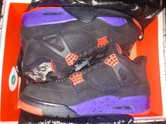 Do not miss the opportunity to own this great pair of shoes! Jordan 4, Running Shoes Nike, Raptors, Trainers, Air Jordans, Athletic Shoes, Size 10, Sneakers Nike, Pairs