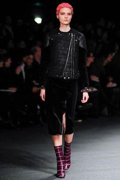 Givenchy Fall 2013 Ready-to-Wear Fashion Show - Tilda Lindstam Fashion Week, Milan Fashion, Girl Fashion, Fashion Show, Fashion Design, Tilda Lindstam, Givenchy Women, Biker Chic, Latex Fashion