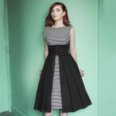 Dollydagger Lulu Black and White Striped Dress Dollydagger Lulu Dress Stretch cotton. Can you turn this round and wear the other way? Pretty Outfits, Pretty Dresses, Beautiful Dresses, Cute Outfits, 1950s Fashion Dresses, Vintage Dresses, Vintage Outfits, Image Fashion, Look Fashion