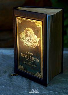 """Любимая книга в эксклюзивном кожаном переплете и латунной гравюрой, как на самом первом издании """"Монте Кристо"""""""