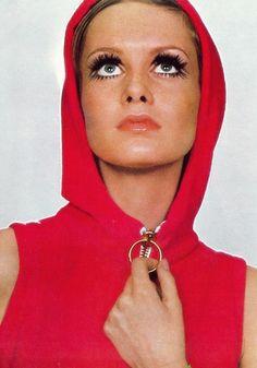 Twiggy.  Photo by Just Jaeckin.  Vogue, April 1967.