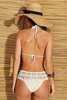 Hot Pants, Pinterest Crochet, Crochet Bikini Top, Swimwear Cover Ups, Crochet Clothes, Women Swimsuits, Bikini Girls, Beachwear, Ideias Fashion