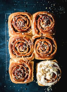 Apple and cinnamon is a match made in heaven, and these pinwheels topped with brown butter cream cheese are no exception. Baking Recipes, Cake Recipes, Baking Ideas, Apple Scones, Afternoon Tea Recipes, Cream Cheese Icing, Tea Sandwiches, Sweets Cake, Brown Butter