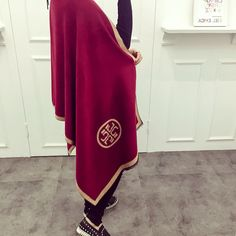 product type:ScarvesProduct Use Gender:WomenProduct materials:Silk,Cashmere,Modal,CottonPattern Style:CharacterColor:SameasthepictureSize:190X65cmMatetrial:CashmereFeature:FashionDesign