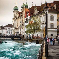 Luzern, Switzerland  #lucerne #luzern #switzerland #ig_switzerland #travelingram #europe_vacations #igworldclub #ig_europe #photooftheday #cityscape #cbviews #citybestpics #igsccities #worldbestgram #wonderful_places #living_europe
