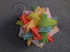 Tung Ken Lam's blintz icosahedron module (30 modules).