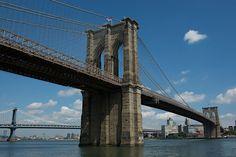 """#  MANHATTAN  #   """"Ponte do Brooklyn"""". Ao fundo: """"Ponte de Manhattan"""".                                                              New York City, USA."""
