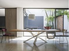 SHANGAI | Stainless steel and wood table