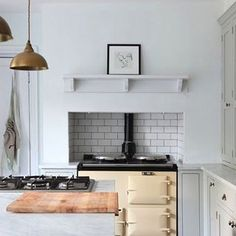 Subway tile 101, on RM today. We call it the white T-shirt of the kitchen. Look how beautifully it pairs with more expensive elements in this kitchen at The Botley House in Hampshire, UK. (Via @sophielightlocations.) #rmkitchen #subwaytile  #aga