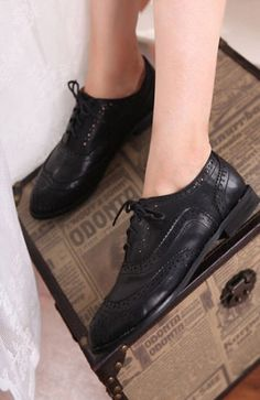 Vintage Lace Up Women Brogue Shoes on BuyTrends.com, only price $18.75