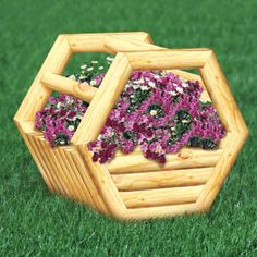 "Landscape Timber Basket Planter II DIY Woodcraft Pattern #2451 - 38""H x 44""W x 35""D  Pattern by Sherwood Creations #woodworking #woodcrafts #pattern #yardart #crafts #landscape #planter"