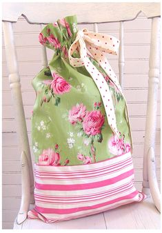 Tanya Whelan Barefoot Roses Legacy Collection - Fabrics available at Dots Quilts Creation Couture, Sewing Class, Fabric Bags, Handmade Bags, Pink And Green, Green Bag, Fabric Crafts, Sewing Projects, Sewing Tutorials