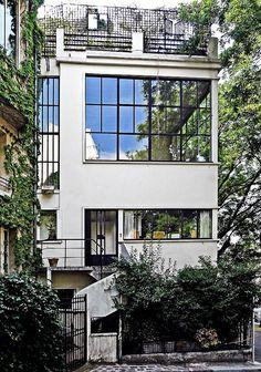 Villa Ozenfant by Le Corbusier, 1922. VillaOzenfant is the first work that Le Corbusier built in Paris.
