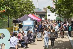 Street food collective KERB serves up London's most exciting street food. King's Cross Wed - Fri, on Granary Square. Just moments from the station Streetfood Market, London With Kids, Best Street Food, Served Up, Fine Dining, King, Collection, Programming, Eat