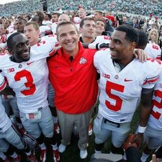 MEYER AND HIS OHIO STATE BUCKEYE PLAYERS!!