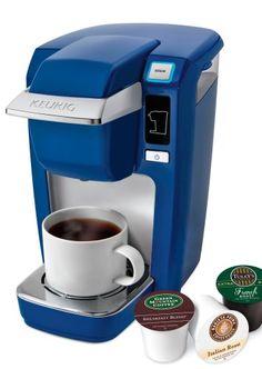cobalt blue coffee maker - kitchen accessories #cobaltbluekit