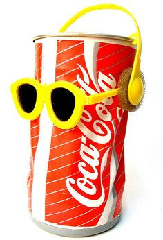 oh yeah, those dancing coke cans. I think they came along around the time the dancing flowers did.
