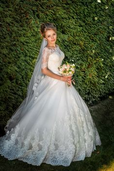 Fabulous Wedding Gown Selections For Your Favorite Inspirations Now! Come By Our Site To See Our Superb Wedding Gown Photos.
