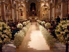 arranjos de flores para casamento na igreja - Pesquisa Google