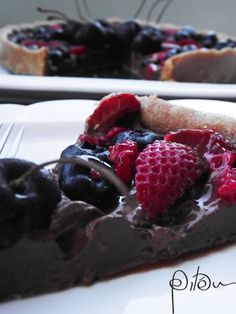 Torta ganache de chocolate com berries