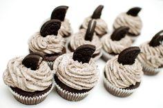 Vegan oreo cupcakes