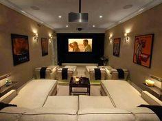 cinema em casa com piso rebaixado e sofas #hometheater