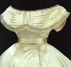Abito da sposa in satin di seta e pizzo di seta fatto a mano, USA, 1865