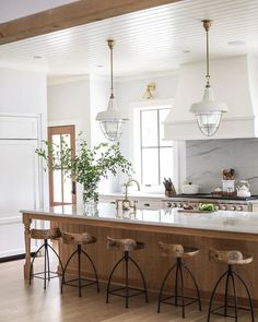 Kitchen Inspirations, decor ideas for kitchens, kitchen layout, farmhouse kitchen decorations, dining room Kitchen Decor, Kitchen Inspirations, New Kitchen, Kitchen Style, Classic Kitchens, Home Kitchens, Traditional Kitchen, Kitchen Design, Kitchen Renovation