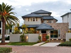 Arquitetura, paisagismo e iluminação pra ninguém colocar defeito!     As casas tem se destacado cada vez mais pela modernidade no design...