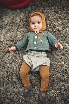 Bonnet: Omini / Cardigan: Bonnet à Pompon // Culotte: Mi Pequeño Lucas  // Shoes: Turin